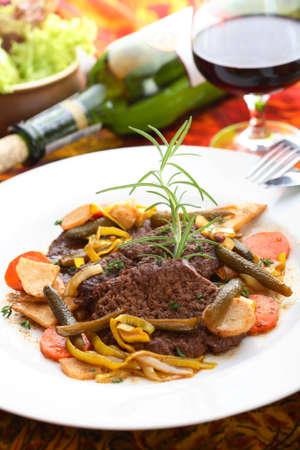albumen: Delicious beef in the wine