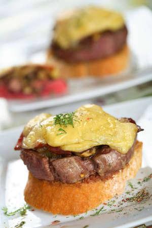arranged: Tasty loin on the bread