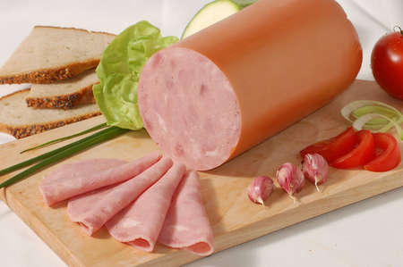 alimentary: Sausage on the bread-board