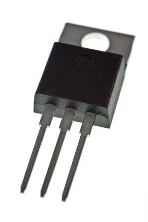 transistor: Vista de transistor de potencia desde la parte frontal de la parte inferior