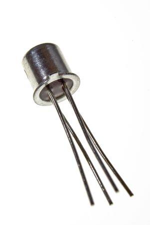 transistor: Transistor en metal puede con 4 lleva
