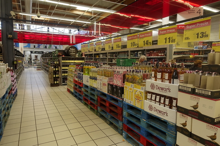 Carrefour Hypermarket Torrevieja Editorial