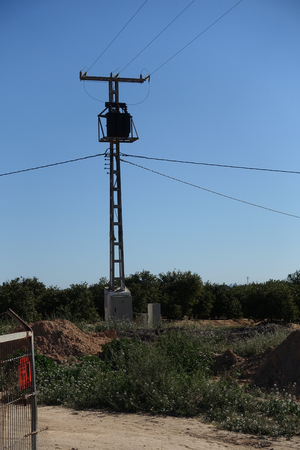 transformer on mast Foto de archivo - 121492442