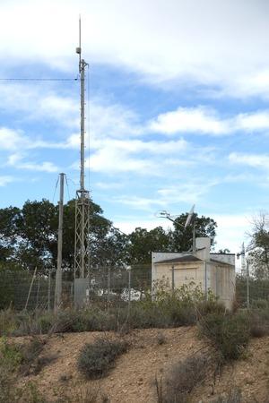 sub-station and mast Foto de archivo - 121492445