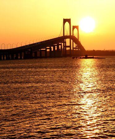 Beautiful sunset over Claiborne Pell Bridge in Newport, Rhode Island  Zdjęcie Seryjne