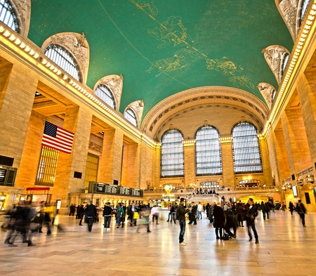 Commuters and shoppers in motion at Grand Central in New York