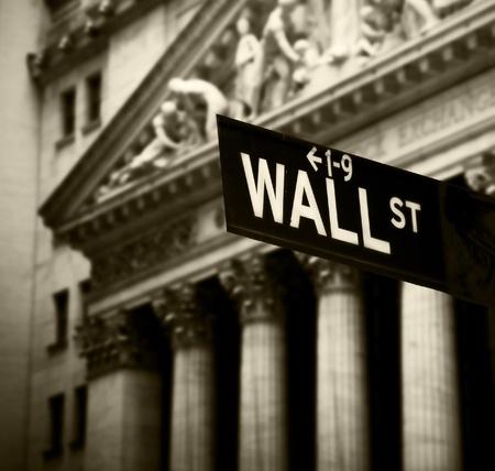 Wall Street sign in lower Manhattan New York Editoriali