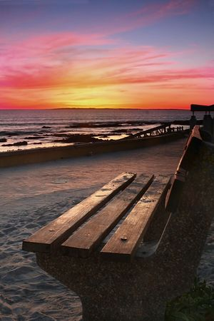 Bench looking out over Robbin Island Standard-Bild