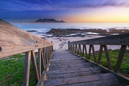 Stairway to Blouberg beach Standard-Bild