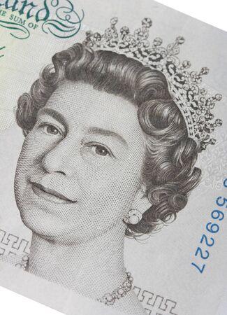 Face of Queen Elizabeth in a 5 pound bill