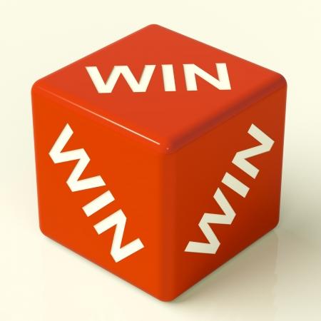 kostky: Win Red Dice reprezentovat vítěz a úspěch