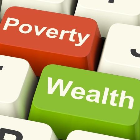 indebtedness: Tasti del computer povert� e ricchezza Mostro ricchi contro i poveri Archivio Fotografico