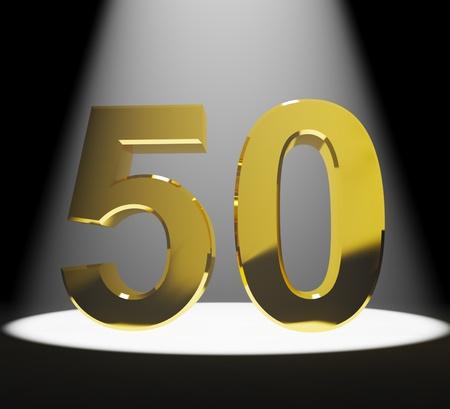 Gold-50. 3D-Nummer Closeup Stellvertretend Jubiläum oder Geburtstage Standard-Bild