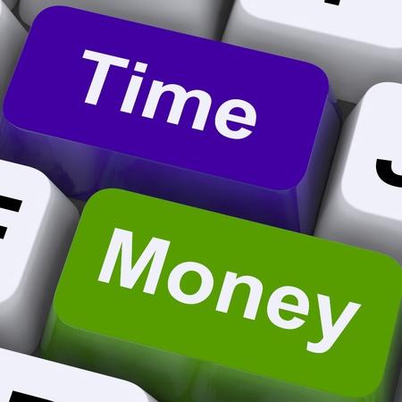 gestion del tiempo: Teclas de tiempo, dinero Mostrando horas son m�s importante que la riqueza Foto de archivo