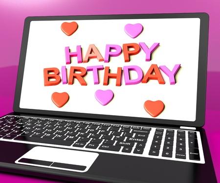 auguri di buon compleanno: Buon compleanno sullo schermo del computer portatile Spettacoli auguri online Archivio Fotografico