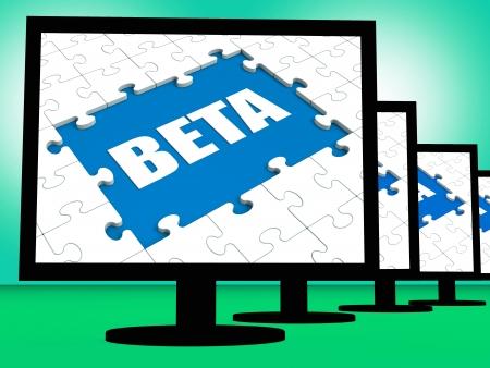 beta: Beta su monitor Visualizzazione Software di test o sviluppo Internet Archivio Fotografico