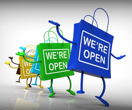 apertura: Estamos Bolsas abiertas Mostrando Shopping Disponibilidad y Grand Opening Foto de archivo