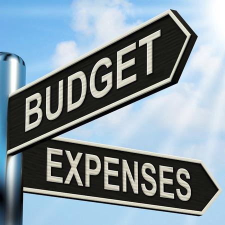 予算経費道標を意味ビジネス会計とバランス 写真素材