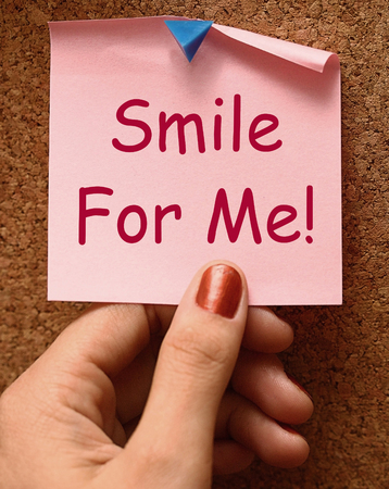 Smile For Me Hinweis Bedeutung Be Happy Fröhlich