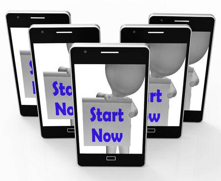 incominciare: Inizia Ora Telefono Mostrando iniziare o fare subito Archivio Fotografico