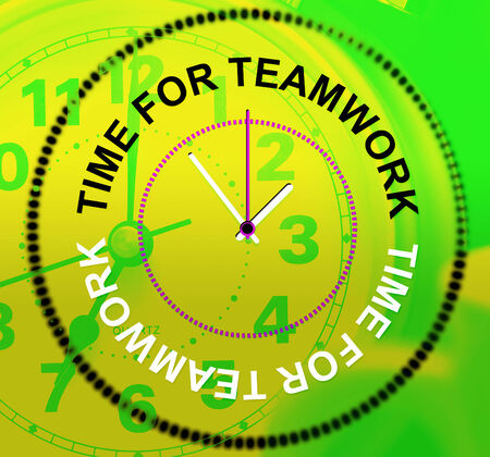 combined: Hora para el trabajo en equipo Mostrando Combinada Organizada Y Unidad