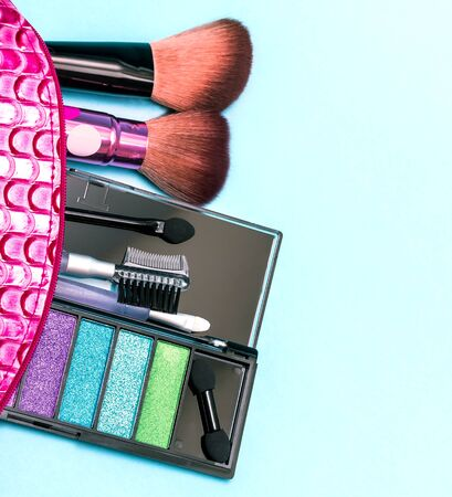 makeups: Cosmetic Makeup Kit Showing Soft Brush And Beauty Stock Photo