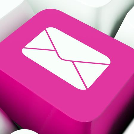 Galateo e-mail Regole per i messaggi elettronici Il rendering 3D mostra la corrispondenza corretta della posta elettronica per inviare promozioni