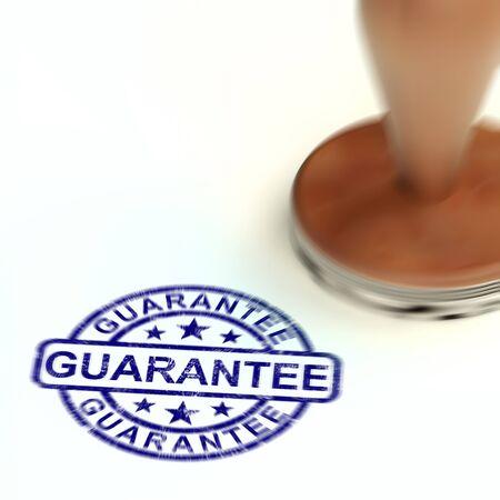 Guarantee concept icon means a safeguard or insurance against product faults. Dependable agreement against consumer dissatisfaction - 3d illustration Foto de archivo - 128085616