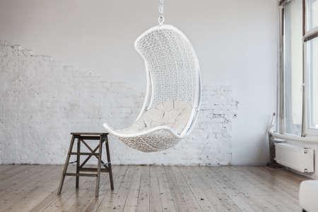 silla de madera: Interior moderno Foto de archivo