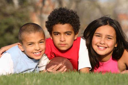 multiracial group: Multirracial grupo de ni�os