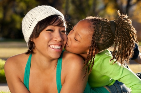 mama e hija: Beso