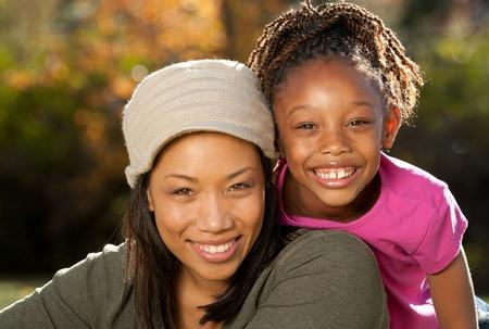 ni�os negros: Familia feliz de Estados Unido