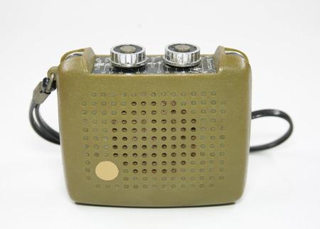 transistor: Vintage radio transistor isol�e blanc