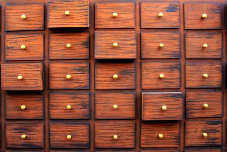 Traditional Chinese medicine chest Standard-Bild