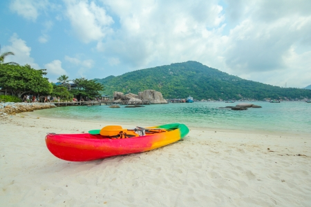 kayak on nangyuan island in blue sky, thailand