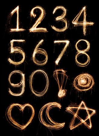 numeros: N�mero alfabeto hecha de fuegos artificiales chispitas, alfabeto luz