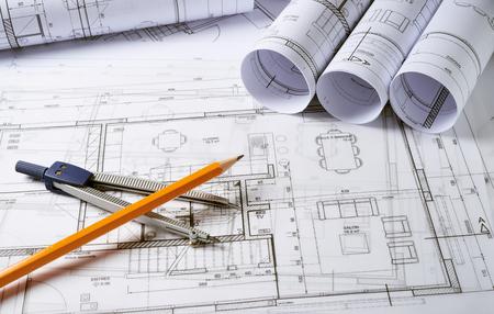 建築計画とコンパスで家プロジェクトのスケッチ 写真素材