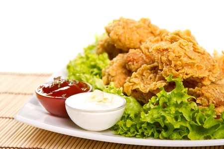 crunchy: Fried chicken wings with dips