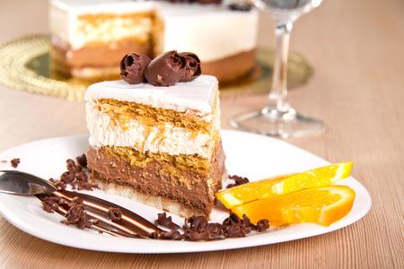 Caramel and vanilla cream cake