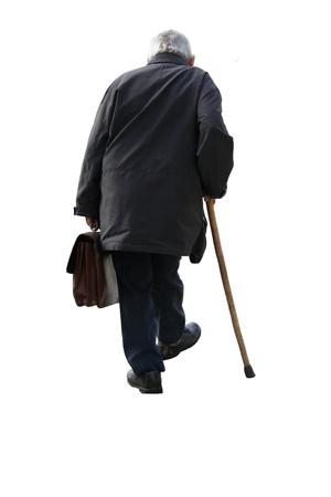 senioren wandelen: Oude man die een koffer weglopen - op witte achtergrond (geïsoleerd) Stockfoto