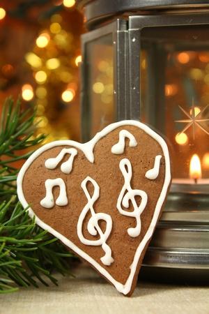 gingerbread heart: Music gingerbread heart - Christmas cookie
