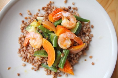 Healthy meal - buckwheat with shrimps, green beans, pumpkin and zucchini Stock Photo - 18545185
