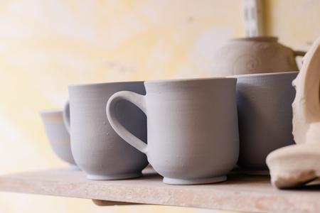 alfarero: a mujer potter manos
