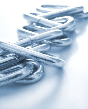 robust: Blue metal chain