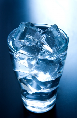 chilled: Ice cubes in a glass