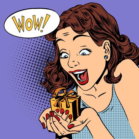 La mujer está feliz de conseguir un regalo wow arte pop cómics estilo retro de medias tintas. Imitación de viejas ilustraciones. La emoción es la reacción de las vacaciones