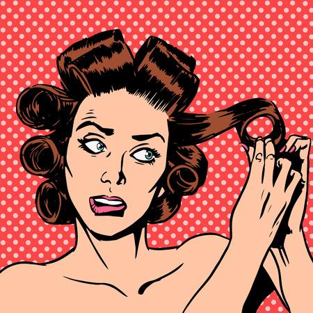 enojo: La mujer hace Curling belleza del cabello juventud una fecha nervioso. La mujer se apresura fuera en una reunión primp