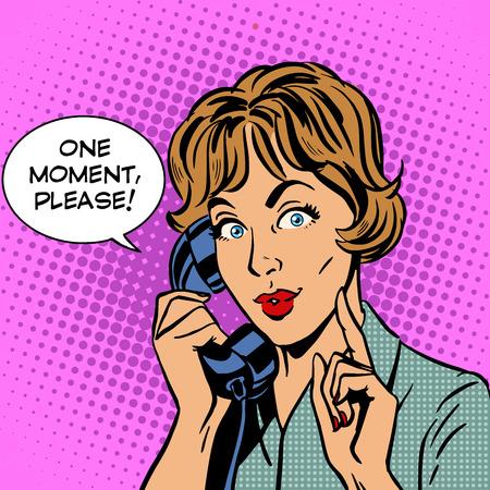 携帯電話で通話中の女性