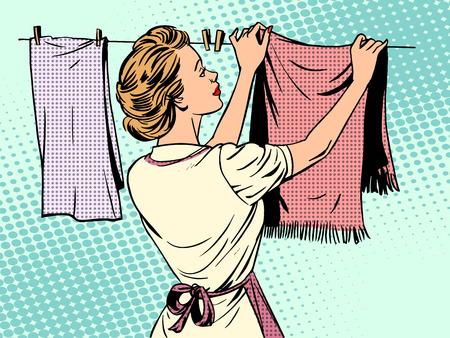 lavanderia: mujer cuelga la ropa después del lavado comodidad tareas domésticas ama de casa de arte pop de estilo retro Vectores