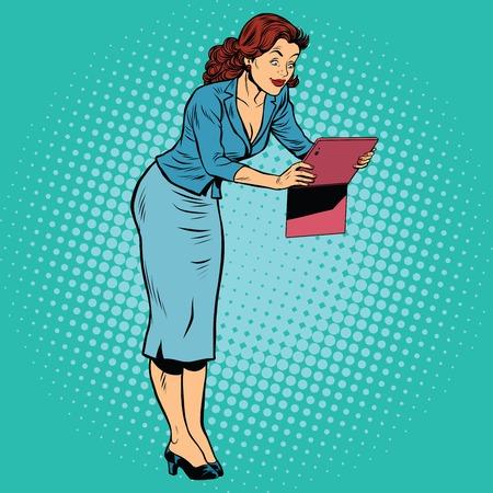 Femme photographiée sur une tablette, pop art rétro dessin comique illustration Vecteurs